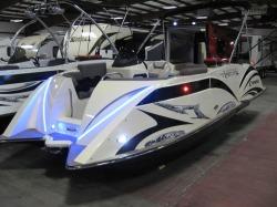 2015 - Razor Boats - 219 UU
