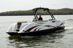 2018 - Razor Boats - 247 UU LTD