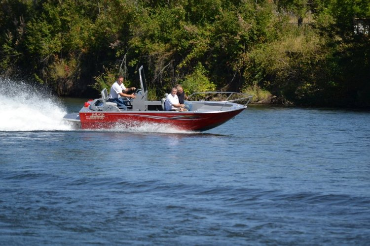 l_aluminumsportfishingboatforsalebyriverhawkboatsinoregon-iboats1