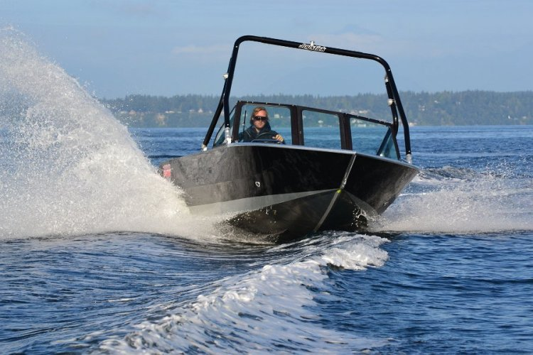 l_aluminumwakeboardboatsinoregon