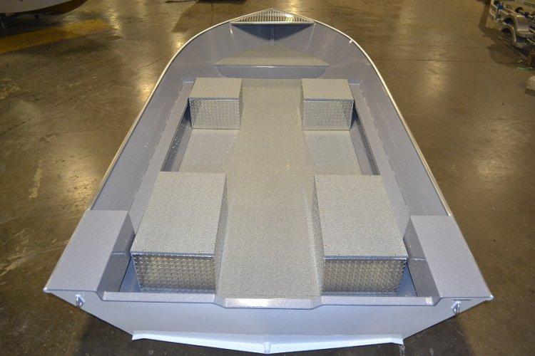 l_frontandaftseatinginaluminumutilityboat2