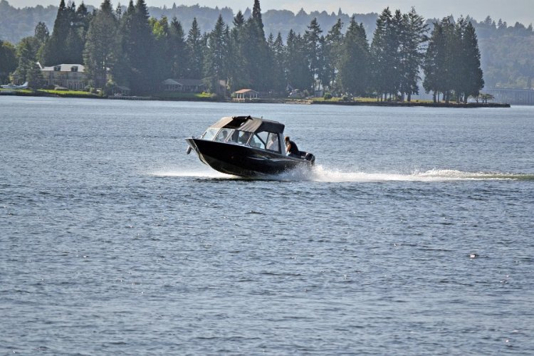 l_gbseriesbyriverhawknew2014boatsinoregon1