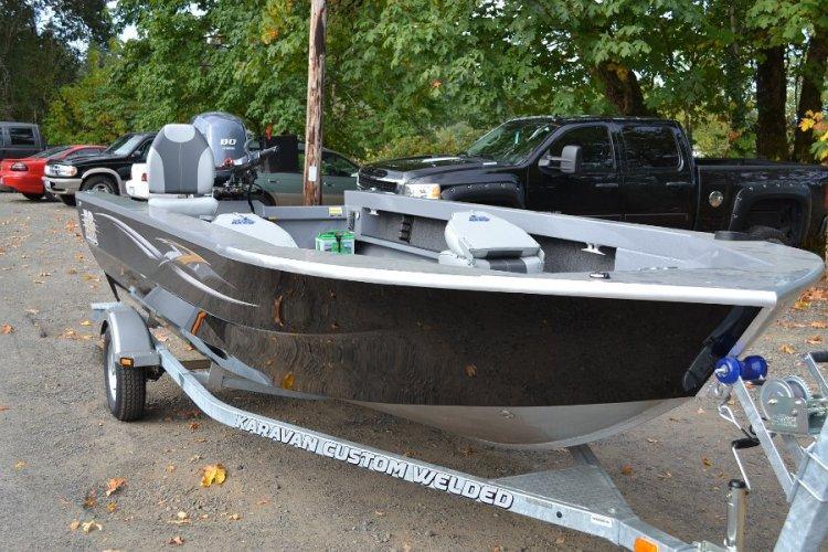 l_iboats2014bassboatswithtillerandcenterconsoleseatingoptions