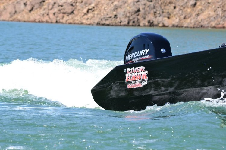 l_mercuryenginesandriverhawkboats
