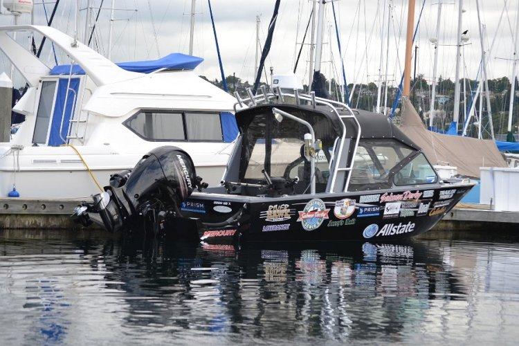 l_mercuryoutboardmotoredfishingboat1