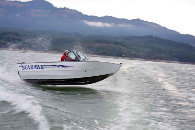 l_new2014seahawkboatbyriverhawkboats