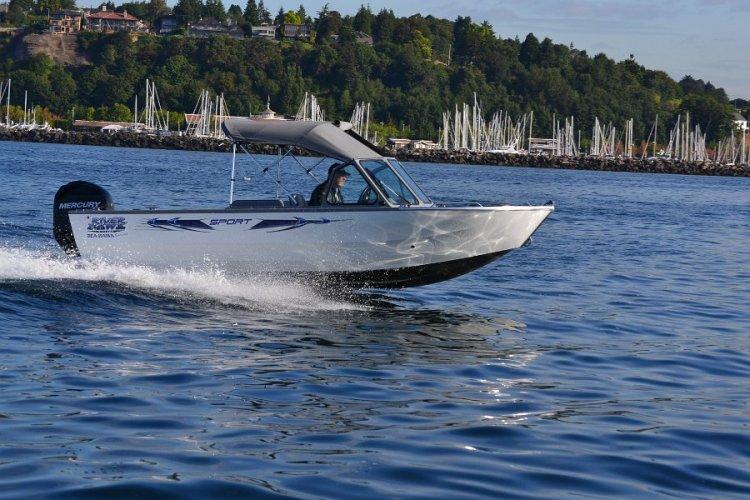 l_offshorefishingboatwith135hpmercuryoutboardmotor