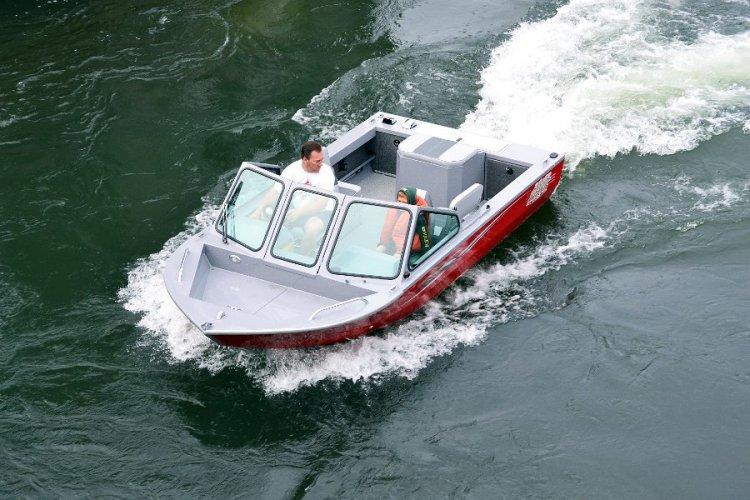 l_openbowforextrastorageandfishingspace-iboatsboatsforsale1
