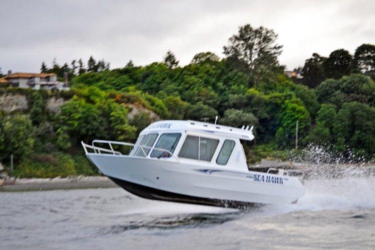l_pilouthouseboatgettingairin2014-seahawkseries