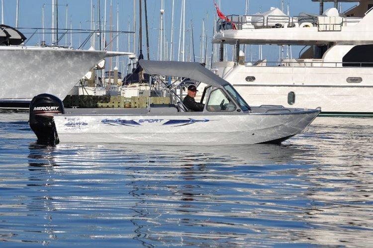 l_riverhawksportseriesaluminumboat1