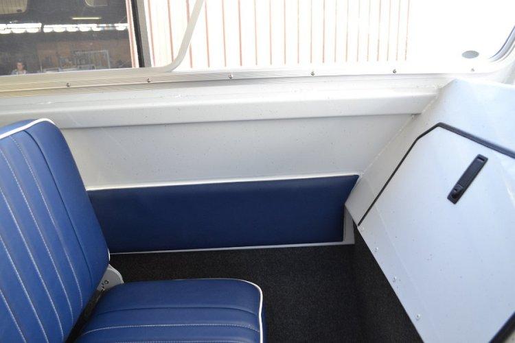 l_slideopenwindowsandpassengerstoragecompartment