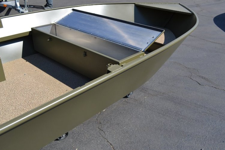 l_storagespaceforfishingrodsandsupplies-benchseating2