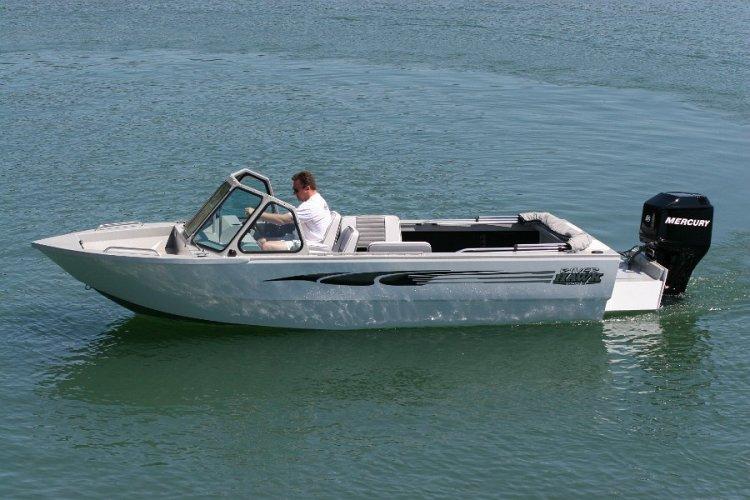 l_summerboating-fishingandpleasureboating
