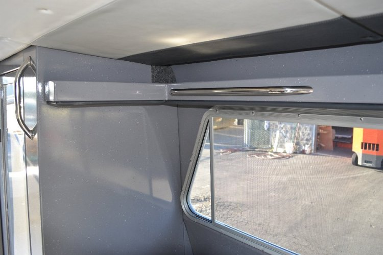 l_windowsslideopenandhandrailsforstabilityinroughwaters1