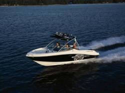 2010 - Sea Ray Boats - 230 Fission