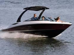 2014 - Sea Ray Boats - 210 SLX