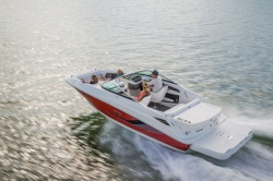 2015 - Sea Ray Boats - 220 Sundeck