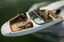 2015 - Sea Ray Boats - 240 Sundeck Outboard