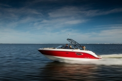 2017 - Sea Ray Boats - SLX 230