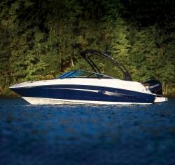 2017 - Sea Ray Boats - SDX 220 OB