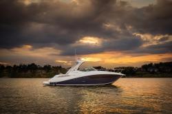 2017 - Sea Ray Boats - Sundancer 330