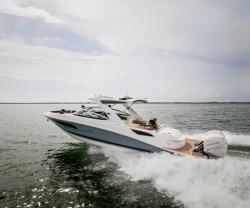2017 - Sea Ray Boats - SLX 350 OB