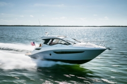 2017 - Sea Ray Boats - Sundancer 350 Coupe