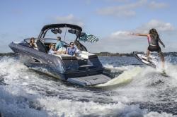 2018 - Sea Ray Boats - SLX-W 230