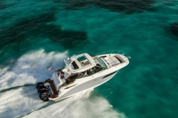 2018 - Sea Ray Boats - Sundancer 320 OB