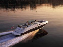Sea Ray Boats 240 Sundeck Bowrider Boat