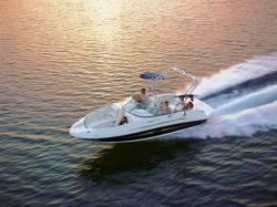 Sea Ray Boats 220 Sundeck