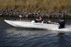 2014 - Seaark Boats - 210 Stealth