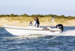 2012 - Silver Marine Boats - Phoenix 610