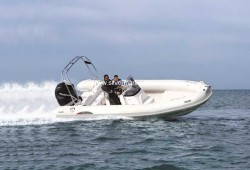 2012 - Silver Marine Boats - Phoenix 660