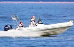 2017 - Silver Marine Boats - Phoenix 660