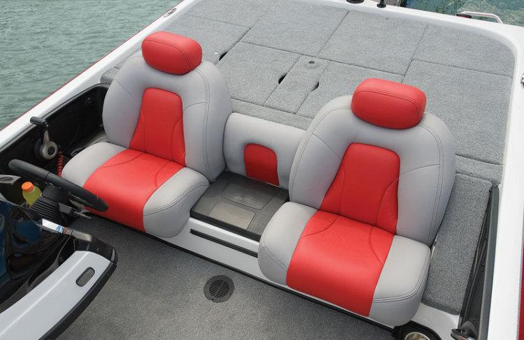 l_center-seat-step
