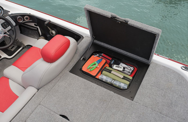l_rear-starboard-storage
