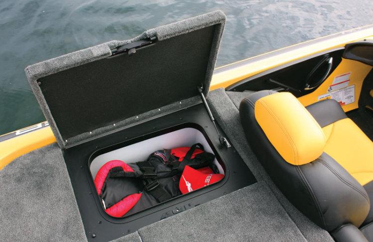 l_stern-starboard-storage