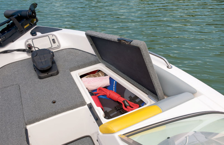 l_sl1800-bow-starboard-storage