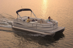 South Bay Boats 618FC