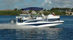 2013 - Southwind Boats - 229LC Hybrid