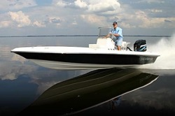 American Marine Sport Shearwater 2000 Center Console Boat