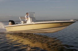 American Marine Sport Shearwater Z 2200 Center Console Boat