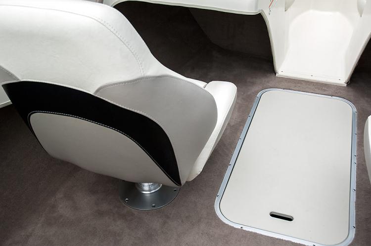 l_180rx_seat_floor_storage