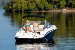 2017 - Stingray Boats - 215LR