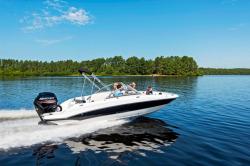 2017 - Stingray Boats - 191DC