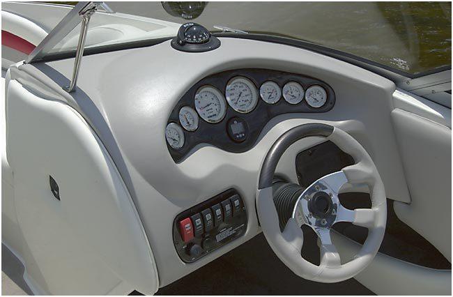 l_Stingray_Boats_-_220LX_2007_AI-247664_II-11419678