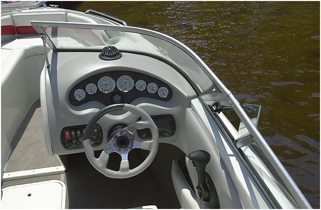 l_Stingray_Boats_-_220LX_2007_AI-247664_II-11419680