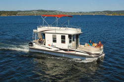 2010 - Sun Tracker - Party Cruiser 32