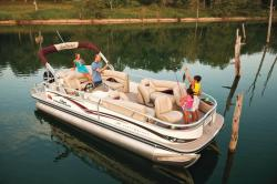 2011 - Sun Tracker - Party Barge 22 Sport Fish